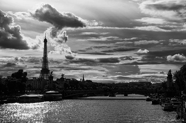 tour_eiffel_seine_paris
